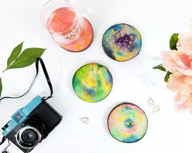 DIY-Watercolor-Wood-Slice-Coasters-featured